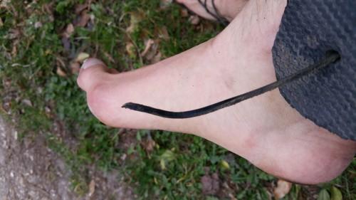Foutu, le noeud entre les orteils