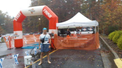 Sur la ligne de départ du semi-marathon de Lenoir, en Caroline du Nord, Etats-Unis. Ca se bouscule pas ...